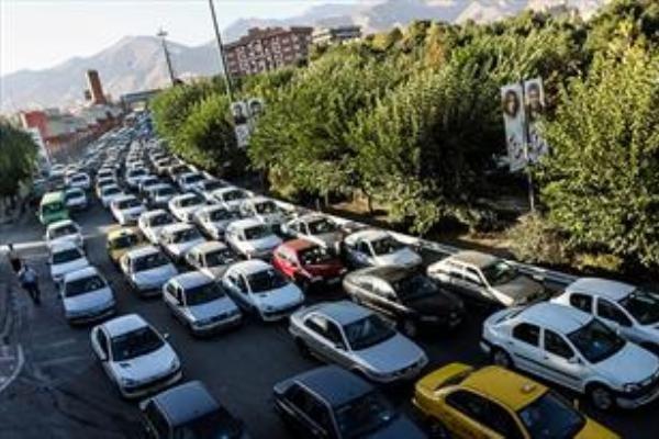 ترافیک نیمه سنگین در آزادراه کرج، محدودیت تردد تا 17 آذر