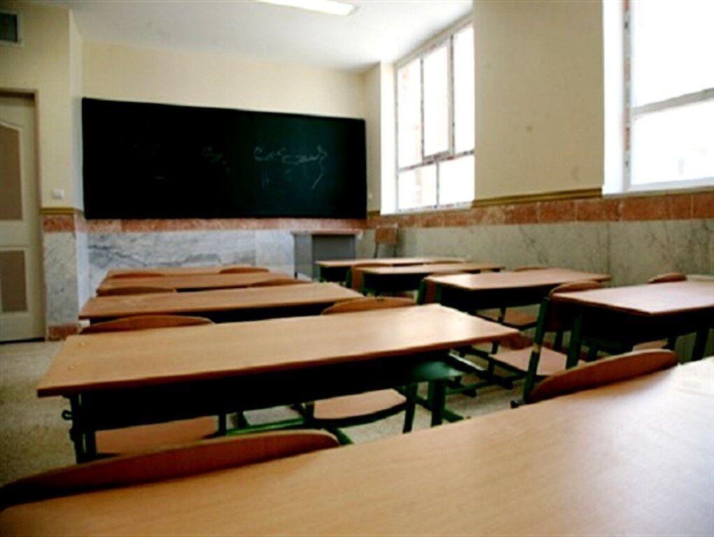 خبرنگاران اتاق بازرگانی ایران ساخت 12 مدرسه را در سیستان و بلوچستان تقبل کرد