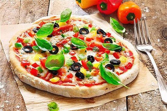 طرز تهیه یک پیتزای رژیمی و کم کالری