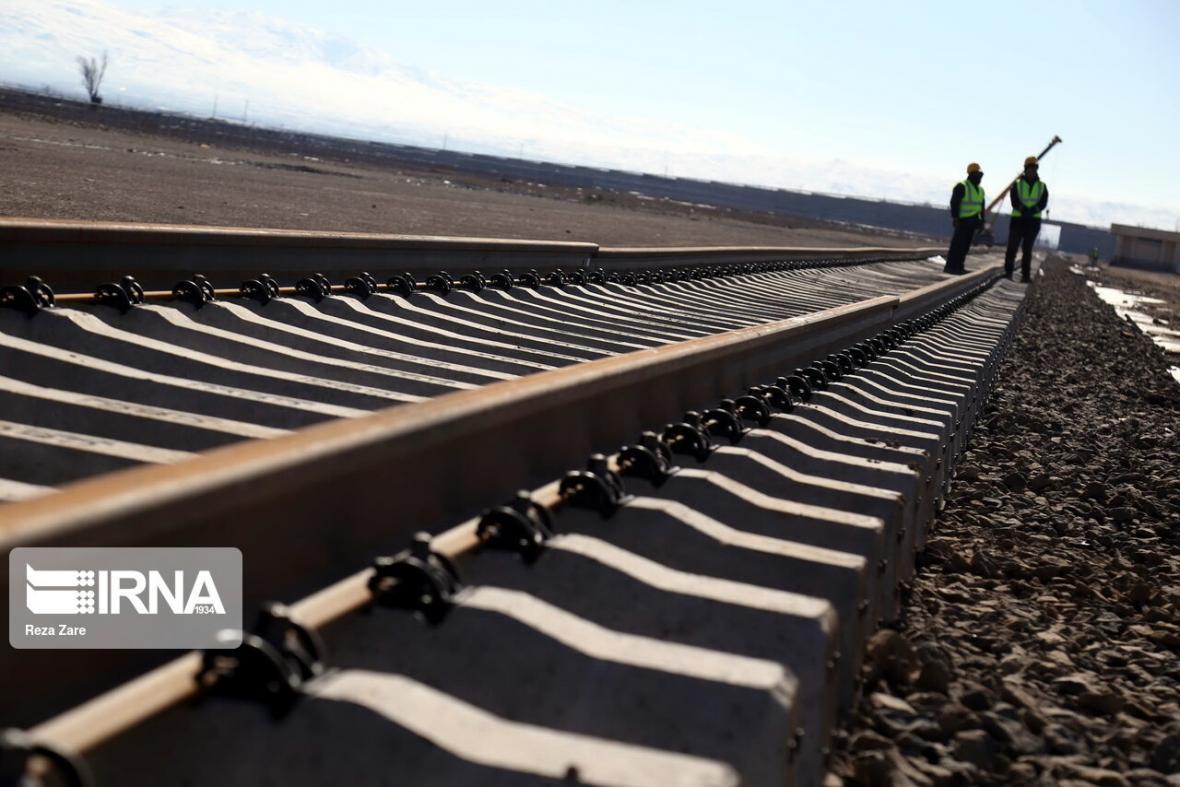 خبرنگاران راه آهن نقش بسزایی در توسعه مالی سیستان و بلوچستان دارد