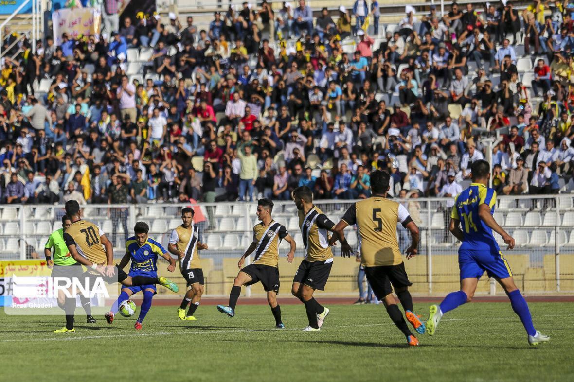 خبرنگاران تیم فوتبال فجر شهید سپاسی شیراز پس از 15 هفته بُرد