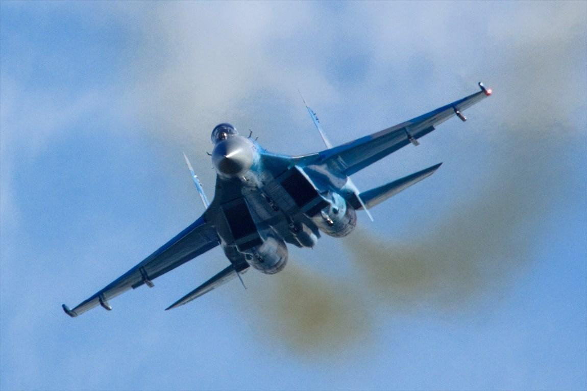 جنگنده روس هواپیماهای آمریکا و آلمان را وادار به عقب نشینی کرد