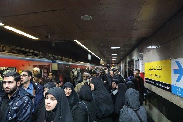 مذاکره برای کاهش خط مبنای معین شده جابه جایی مسافران مترو
