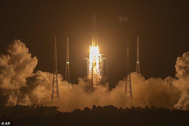 ماموریت چین به ماه شروع شد