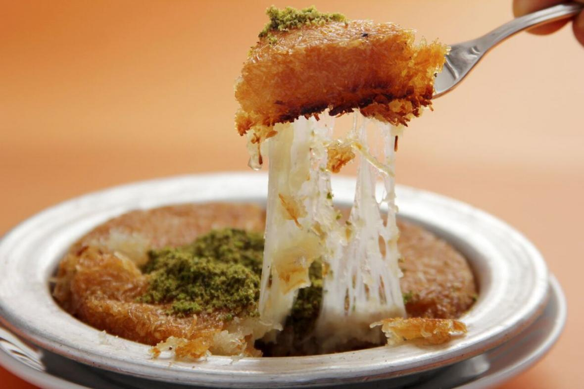 فوت و فن های تهیه کونوفه پنیری؛ دسر بی نظیر خاورمیانه ای