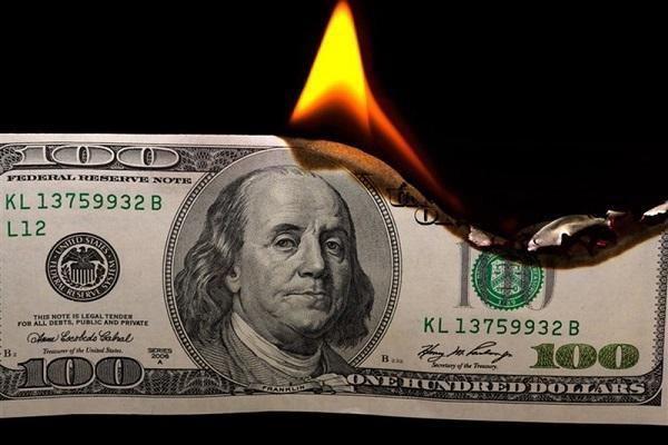 بانک های کوبا دیگر دلار آمریکا را قبول نمی کنند