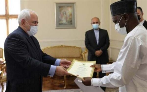 تقدیم استوارنامه سفیران نیجریه و کنیا به وزیر خارجه ایران