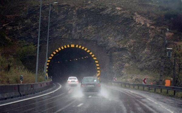 بارش باران در محورهای مواصلاتی 3 استان