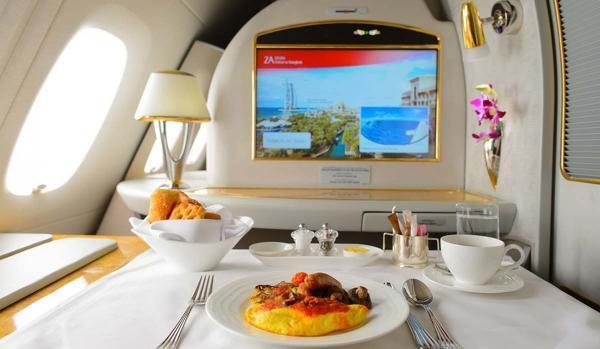 کترینگ غذایی بدون مرز در هواپیمایی امارات